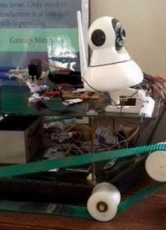 Pakistani Students design a bomb defusing robot