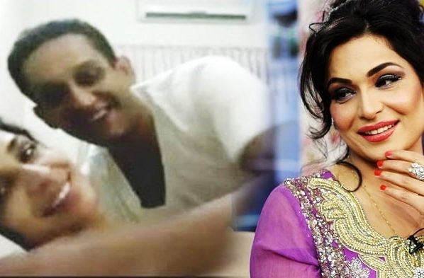 Meera is Mrs Ateeq-ur-Rehman! Declares a family court