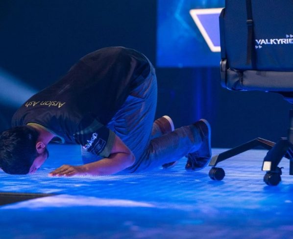 ARSALAN ASH SWEEPS AWAY EVO 2019 TO BECOME WORLD'S BEST