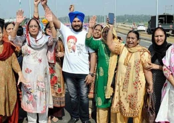 1100 SIKHS ARRIVE IN HISTORIC PROCESSION